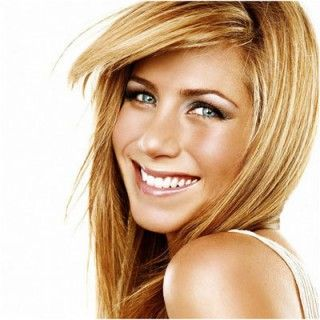 Le style de sourcil de Jennifer Aniston