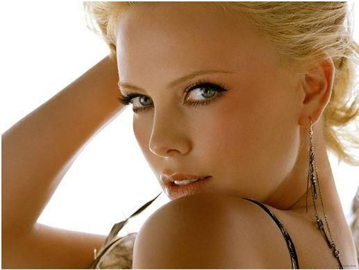 Charlize Theron beaux yeux