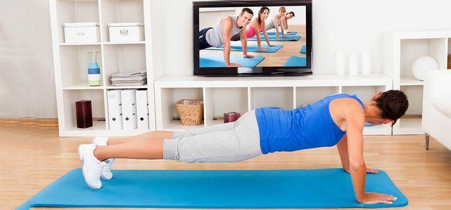 10 conseils simples pour pratiquer le yoga la maison. Black Bedroom Furniture Sets. Home Design Ideas