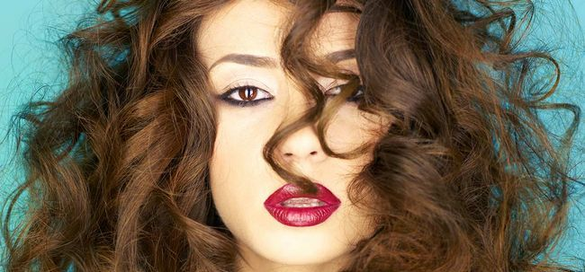 8 conseils simples et efficaces pour prendre soin de vos cheveux ...