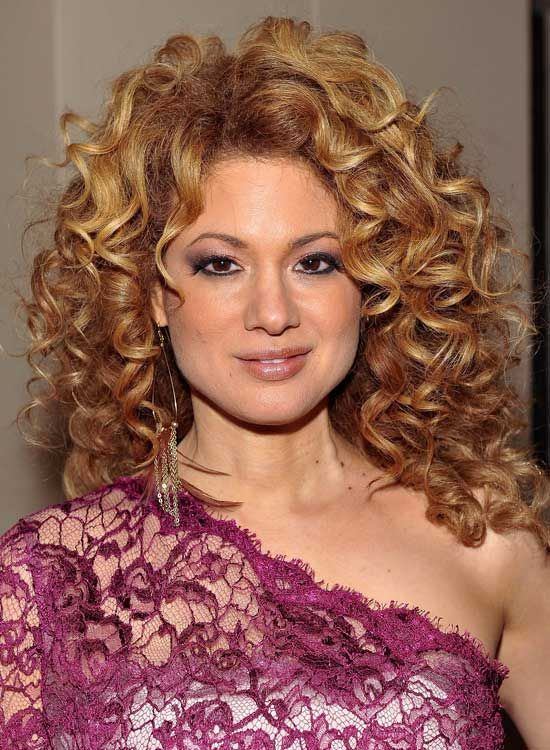 Volumineux-Layered-Bob-avec-Side-Parted-Tight-Curls